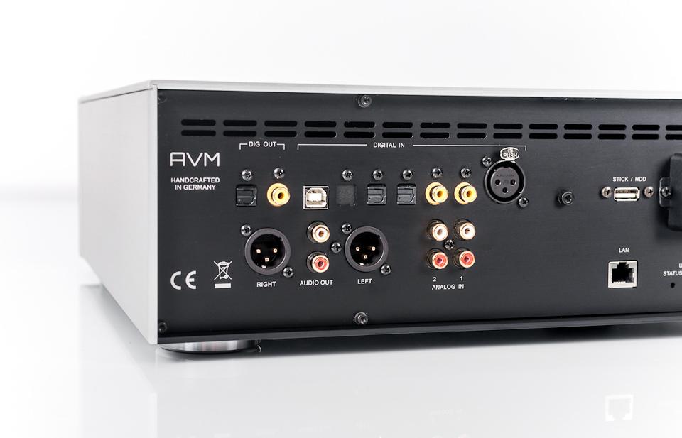 AVM - Przedwzmacniacz z funkcją strumieniowania