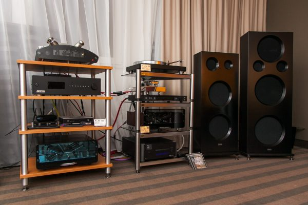 EGG-SHELL & CIARRY - unikalny system stereo